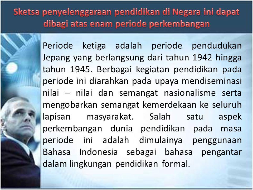Periode kedua adalah periode kolonial Belanda yang berlangsung dari tahun 1800 an hingga tahun 1945. Pada periode ini penyelenggaraan pendidikan ditan