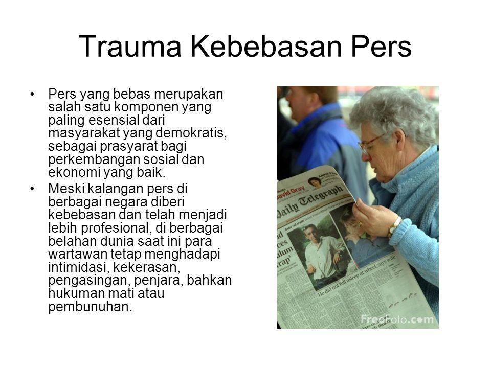 Pemberedelan Pers Indonesia mengalami pengekangan pemerintah terhadap pers dimulai tahun 1846, yaitu ketika pemerintah kolonial Belanda mengharuskan adanya surat izin atau sensor atas penerbitan pers di Batavia, Semarang, dan Surabaya.