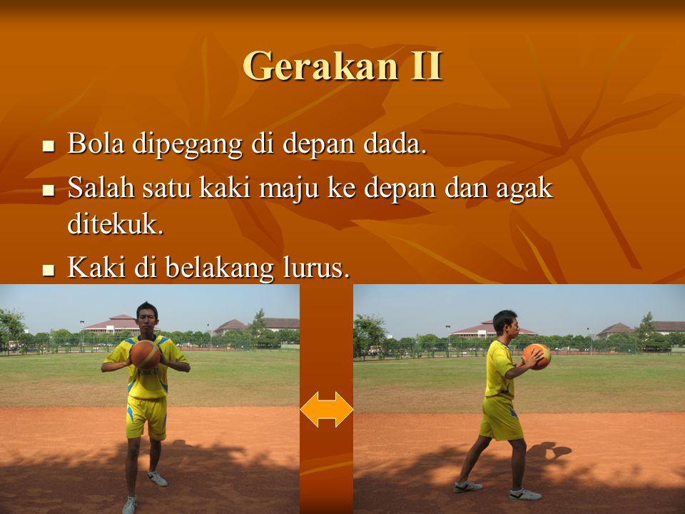 Gerakan III Pandangan fokus lurus ke depan.Pandangan fokus lurus ke depan.