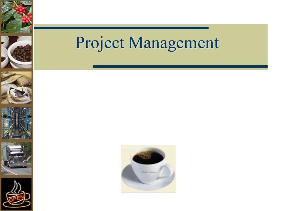 Ciri-ciri Manajemen Proyek Mekanisme proyek dalam hubungannya dengan pengelolaan, organisasi dan sumberdaya mempunyai ciri-ciri tertentu sebagai berikut:  Seorang manajer proyek memimpin organisasi proyek dan beroperasi secara independen, bebas dari rantai komando yang semestinya dari organisasi induk.