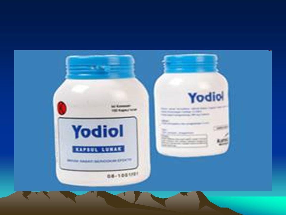 IODINE Esensial bagi tubuh, komponen hormon thyroxin Dua ikatan organik Trijodothyronin (T3) dan T4 tetrajodothyronin / thyroxin Yodium dikonsentrasikan pada kelenjar gondok Kekurangan  tubuh mengkompensasi dg menambah jaringan gondok Banyak pada serealia, sayuran, susu, ikan laut