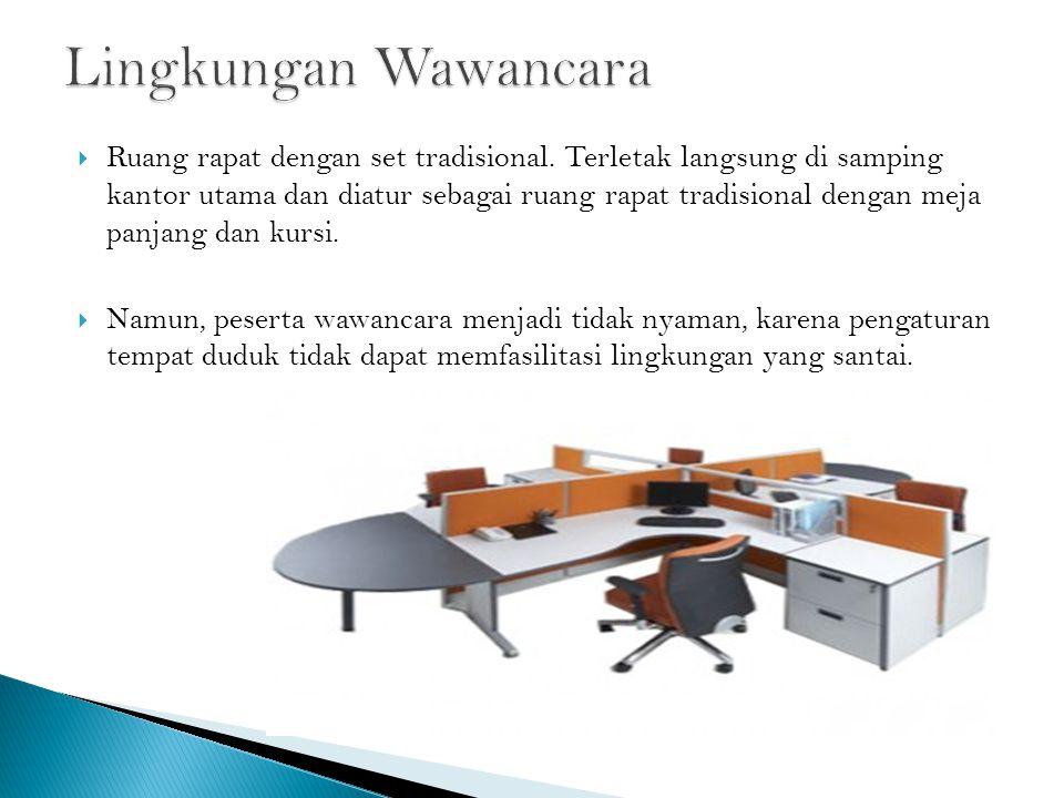 Ruang rapat dengan set tradisional.