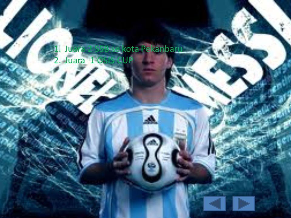 Pengalaman saya Saya sudah cukup lama bemain sepak bola, dantelah beberapa kali mengikutu turnamen, saya dulunya merupakan anggoya ssb, dan saya sangat senang dengan sepak bola.