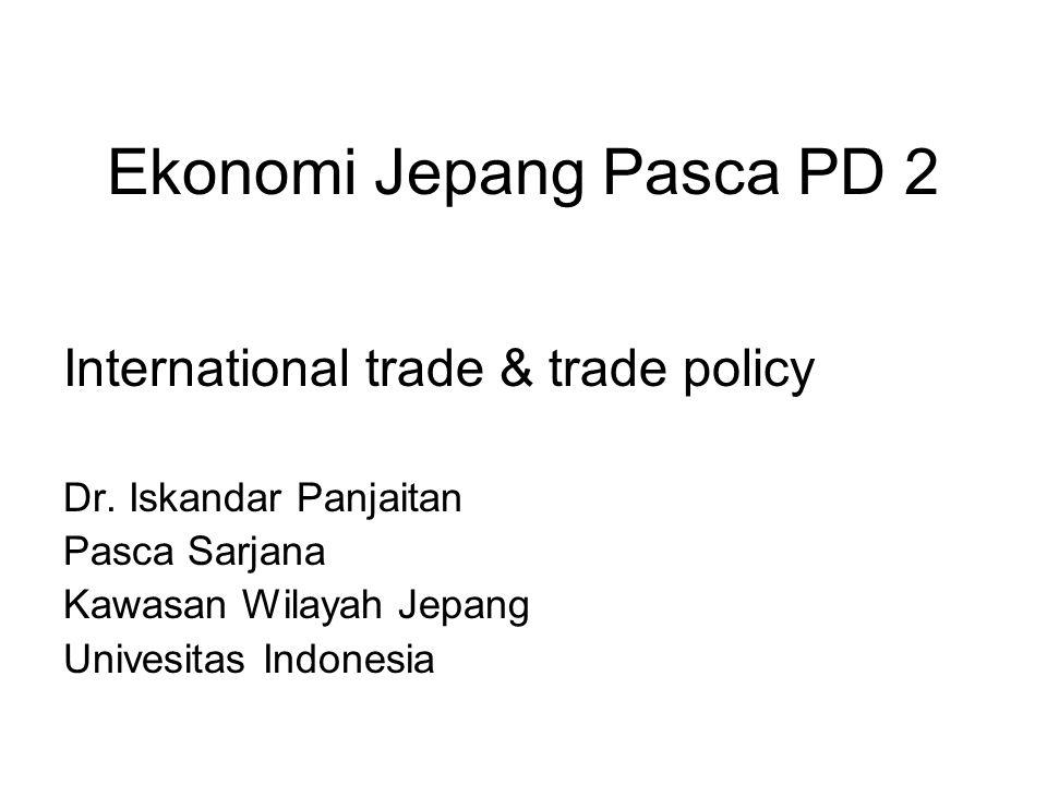 Periode perkembangan Topik berikut bahas evolusi kebijakan perdagangan serta perdagangan internasional Jepang PD 2 serta dampaknya terhadap ekonomi Pembahasan dibagi dalam 3 periode: 1955-1967 : anggota GATT, industri kecil 1967-1975 : transisi 1976- current (?) : ekonomi industri besar