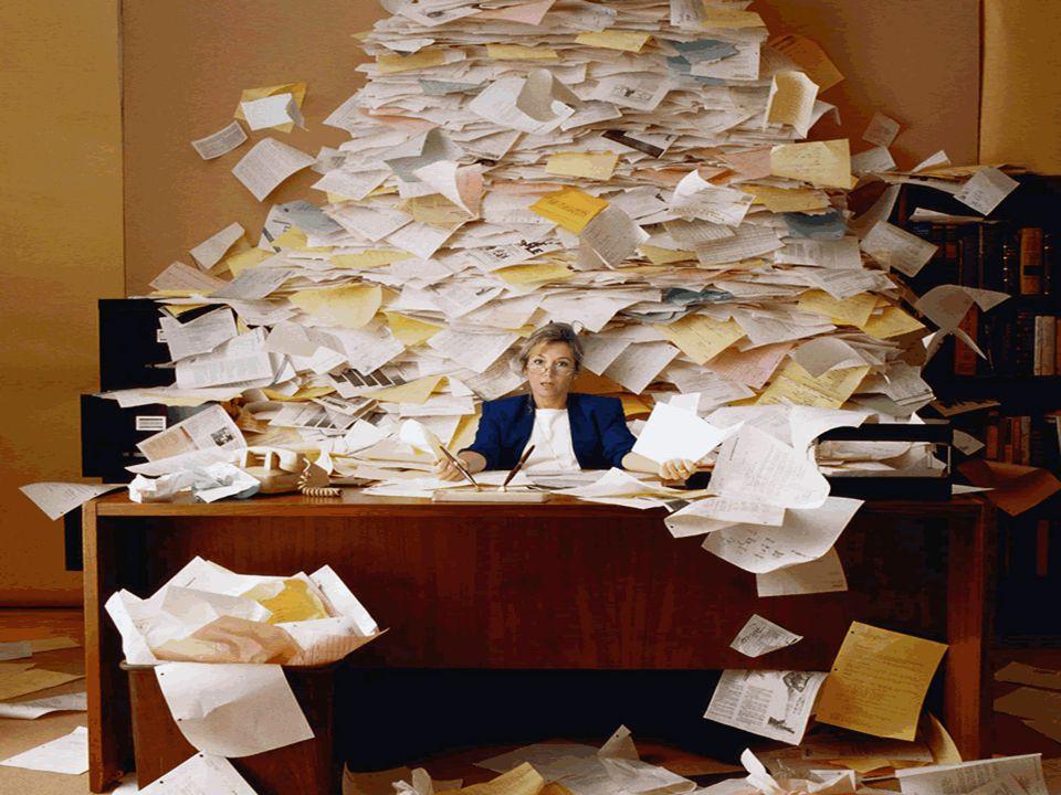 Stress  Seyle membagi stress menjadi dua:  Stress yang positif (eustress)  Konstruktif  Menghasilkan sesuatu yang positif  Stress yang negatif (distress)  Destruktif  Menghasilkan sesuatu yang negatif