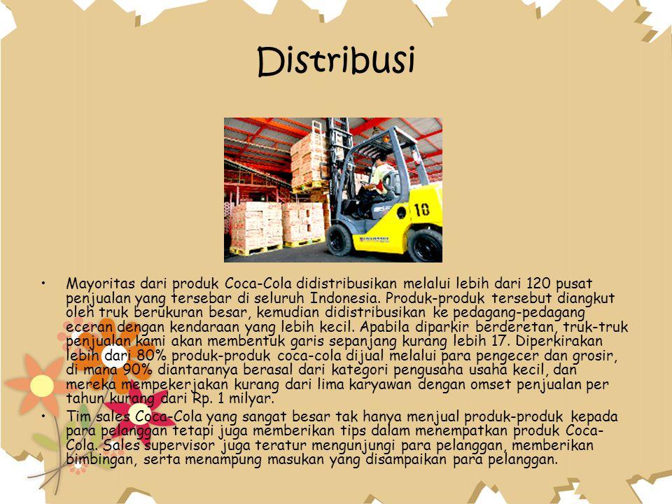 Distribusi Mayoritas dari produk Coca-Cola didistribusikan melalui lebih dari 120 pusat penjualan yang tersebar di seluruh Indonesia. Produk-produk te