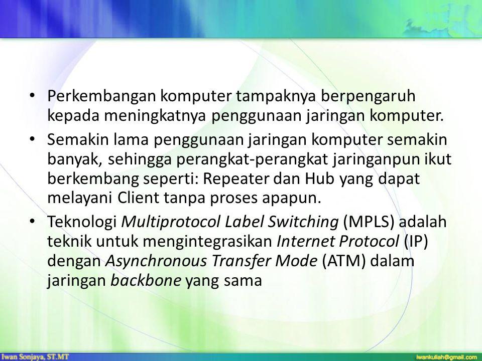 Dengan MPLS maka dapat diperoleh keuntungan diantaranya: Mengurangi banyaknya proses pengolahan di IP routers, serta memperbaiki proses pengiriman suatu paket data.