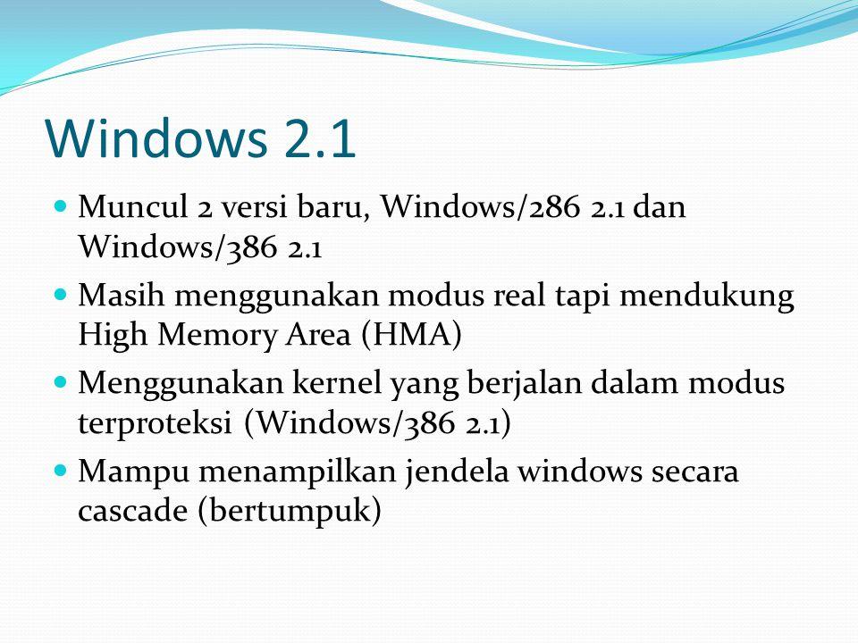 Pocket PC 2000 Dirilis April 2000 Dikenal dengan kode RAPIER Berbasis Windows CE 3.0 Hanya support 240 × 320 (QVGA) Ditujukan untuk perangkat Pocket PC dengan aplikasi built-in (Pocket Word, Pocket Excel, Pocket Outlook, Pocket Internet Explorer, Windows Media Player, Microsoft Reader, dan Microsoft Money)