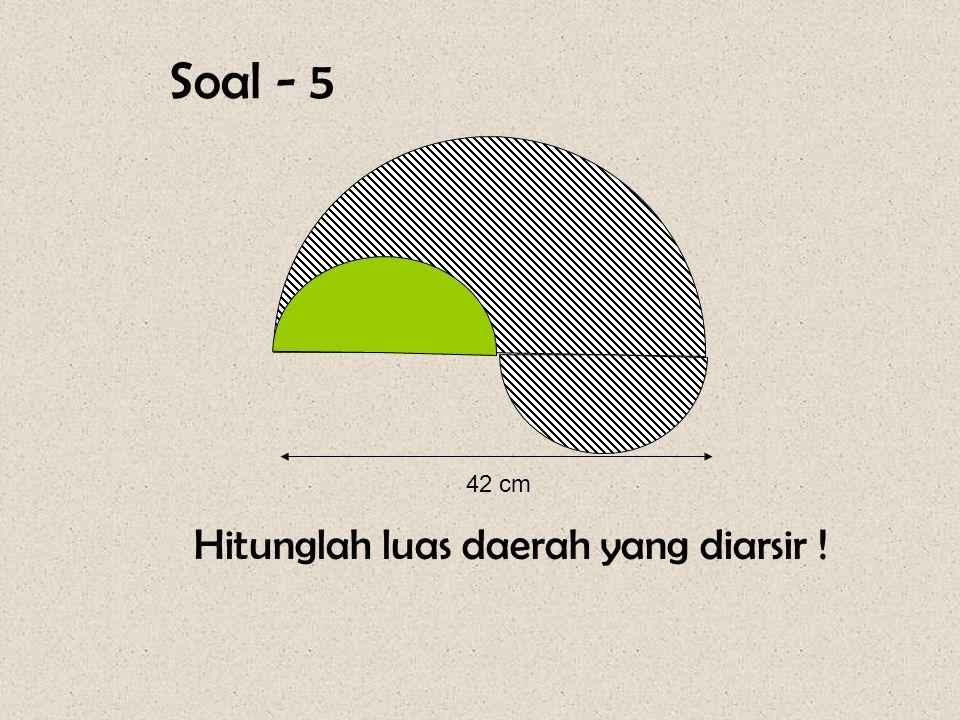Diketahui : Panjang lintasan = 314 meter Jumlah putaran = 200 kali Keliling roda = Pjg. lintasan : jlh putaran = (314 x 100 )cm : 200 = 157 cm. Jari-j