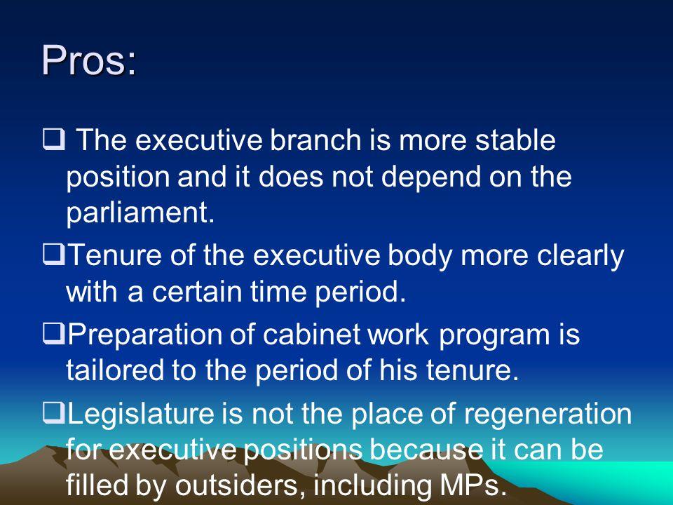 a. Ciri-ciri sistem pemerintahan presidensial. 1. Penyelenggara negara berada ditangan presiden.(kepala negara sekaligus kepala pemerintahan) 2. Kabin