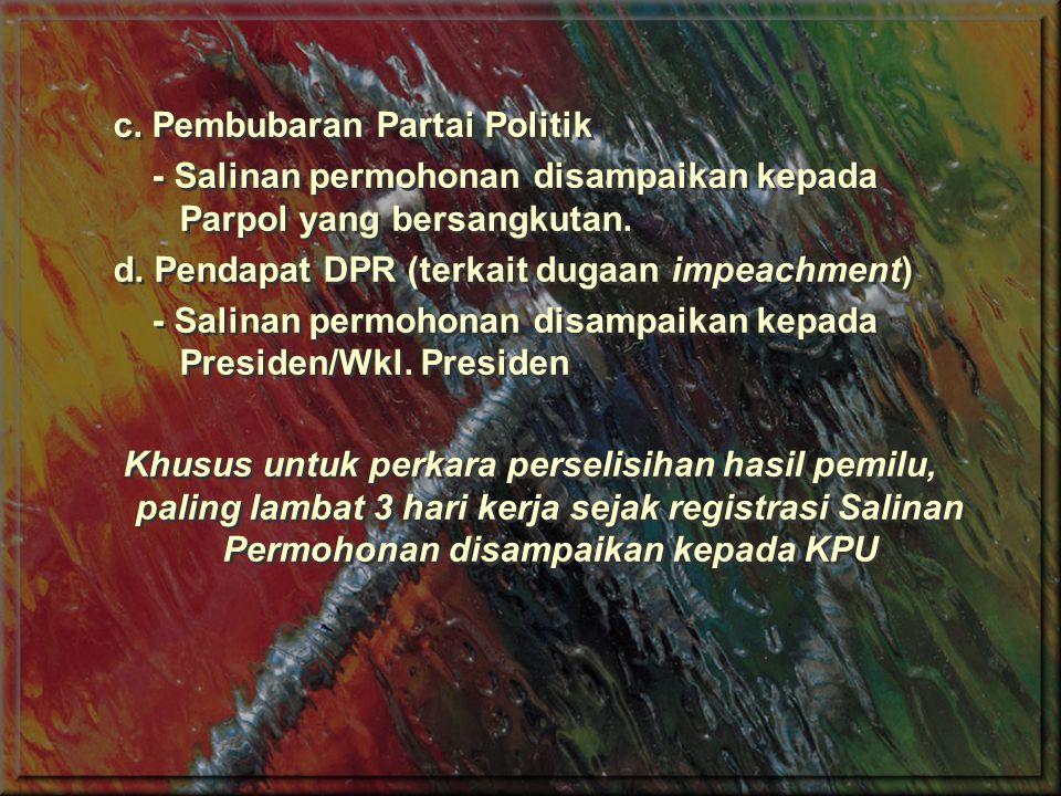 Siapa yang Boleh Memohon (Legal Standing) Berdasarkan Psl 51 (1) UU MK, Pemohon adalah pihak yg hak dan/atau kewenangan konstitusionalnya dirugikan oleh belakunya UU, yaitu: a.