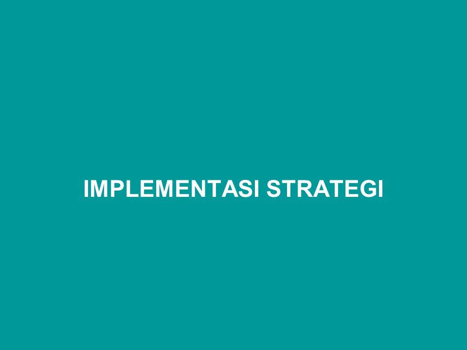 Implementasi strategi merupakan penugasan atau penugasan kembali kepada para pemimpin perusahaan, baik pada tingkat corporate maupun tingkat unit bisnis untuk mengkomunikasikan dan mengimplementasikan strategi bersama-sama karyawan.