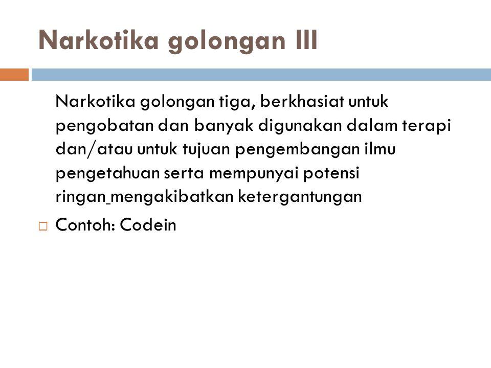 COCAINE (Farmakope Indonesia edisi III hal 171)  Pemerian: hablur tidak berwarna atau serbuk hablur putih ; tidak berbau ; rasa pahit disertai rasa tebal ; higroskopik.