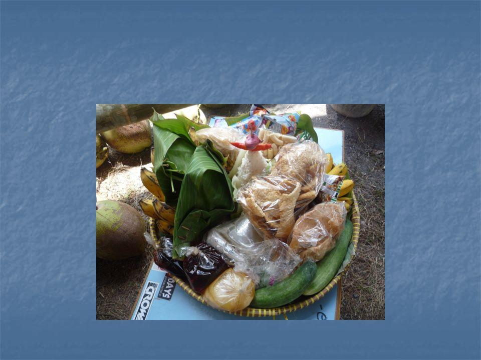 Tari kreasi baru Berpijak pada tradisi yang ada namun sudah dikembangkan (dimodifikasi ) contoh tari tri karya Bagong K atau Didik Nini Thowok.