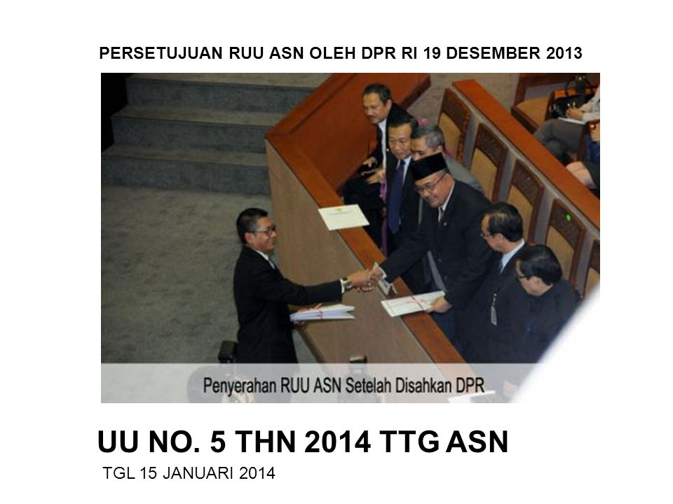 BAB IX BERLAKUNYA HUKUMAN DISIPLIN DAN PENDOKUMENTASIAN KEPUTUSAN HUKUMAN DISIPLIN Hukuman disiplin yang dijatuhkan oleh Presiden Pejabat Pembina Kepegawaian untuk jenis hukuman disiplin pd Ps 20 (2),(3),(4) huruf a, b & c Gubernur selaku wakil pemerintah untuk jenis hukuman disiplin Ps 20 (4) huruf b & c Kepala PerwakilanRepublik Indonesia Pejabat yang berwenang menghukum untuk jenis hukuman disiplin Ps 20 (2) mulai berlaku sejak tanggal keputusan ditetapkan Hukuman disiplin yang dijatuhkan oleh pejabat selain Ps 47, apabila tidak diajukan keberatan maka mulai berlaku pada hari ke 15 (lima belas) sejak keputusan hukuman disiplin diterima.