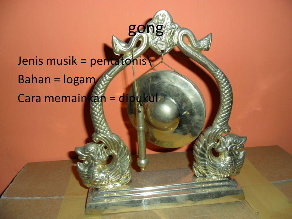 Ciri musik bali Biasanya alat2 musik dari bali dipakai untuk ritual keagamaan hindu,sebenarnya cukup sama dengan alat2 musik dari jawa,tetapi warna bunyi nya beda