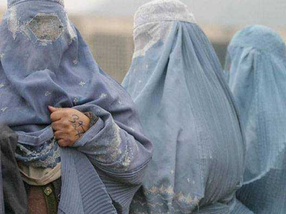 Salah satu tujuan dari kerudung tebal adalah menghadang muka dan mata untuk dilihat. Burka menekan kepala secara kuat (beratnya 7kg), jadi membuat ber