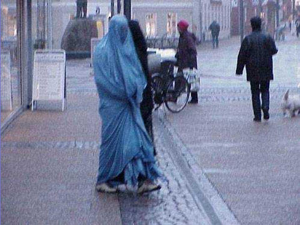 Burka bukanlah sebuah pakaian, ini adalah penjara kanvas yang memaksa wanita untuk tidak bisa melihat tujuan mereka dan apa yang lebih jauh dari 1 met