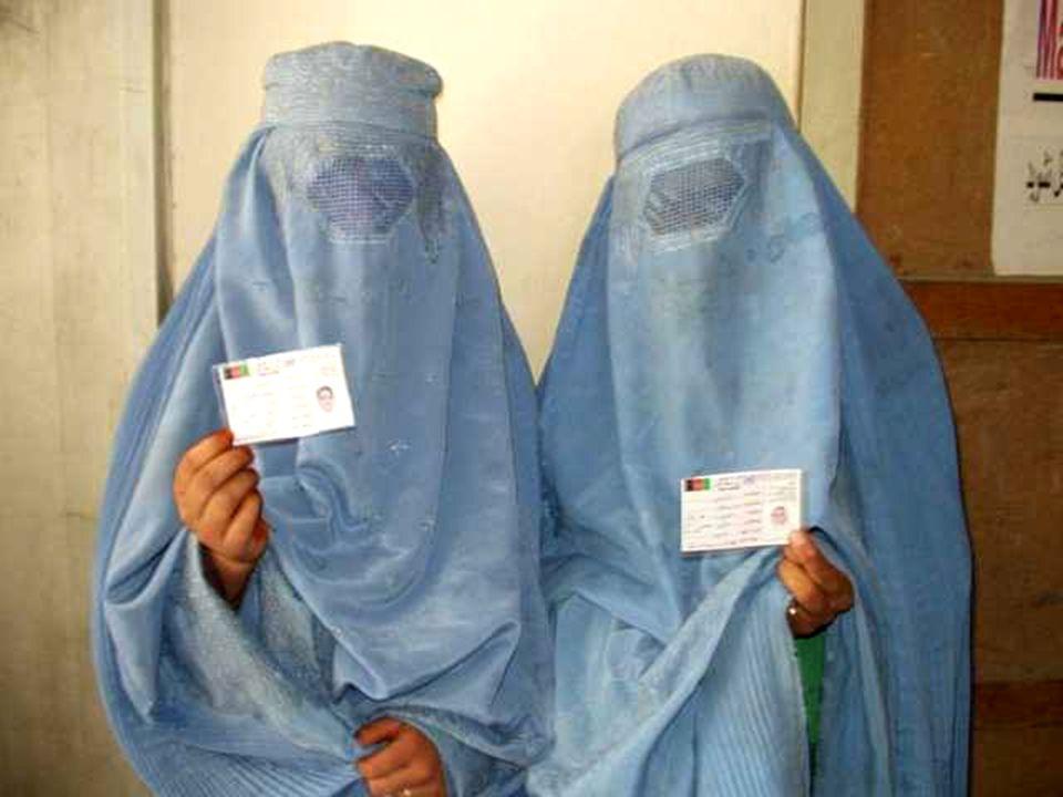 Contoh KTP Wanita Identitas apa yang mereka punya