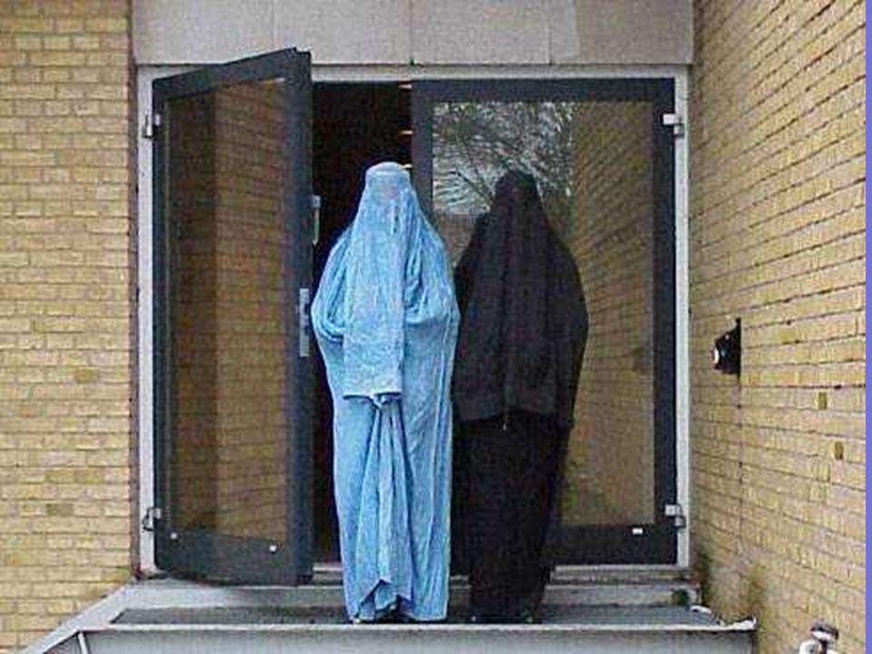 ● Wanita hamil disebut sakit oleh orang Afghanistan. 97% dari wanita Afghanistan melahirkan di rumah karena mereka dilarang untuk memanggil dokter pri