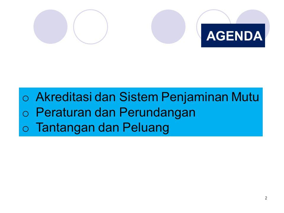 3 AKREDITASI Akreditasi adalah kegiatan penilaian kelayakan program dalam satuan pendidikan berdasarkan kriteria yang telah ditetapkan.