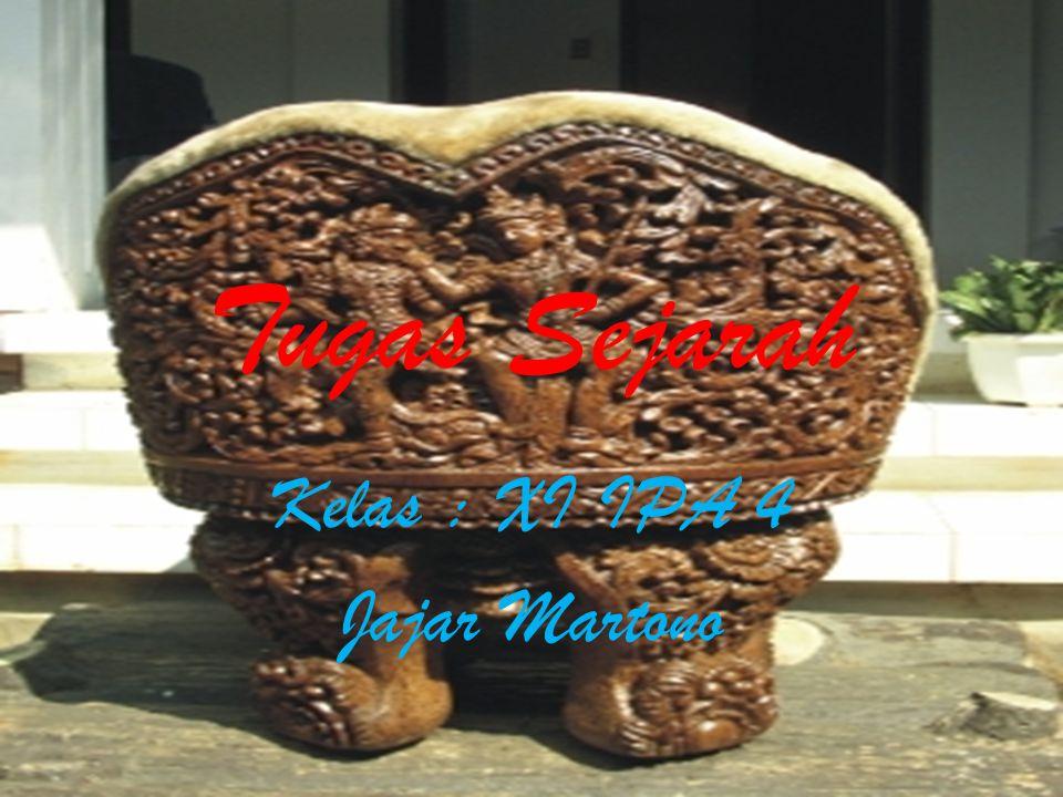 Sistem Organisasi Kemasyarakatan Dengan adanya pengaruh kebudayaan India, maka sistem pemerintahan yang berkembang di Indonesia adalah bentuk kerajaan yang diperintah oleh seorang raja secara turun temurun.