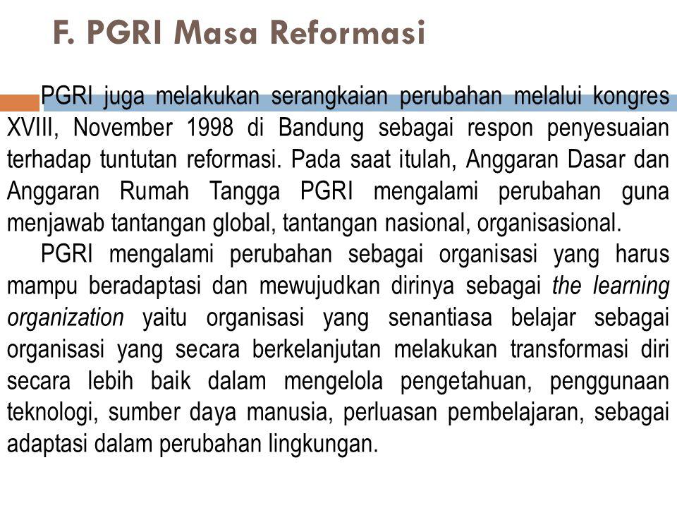 2. Konsolidasi Organisasi pada Awal Orde Baru Konsolidasi organisasi PGRI dilakukan ke daerah-daerah dan cabang-cabang, dengan prioritas ke daerah Jaw