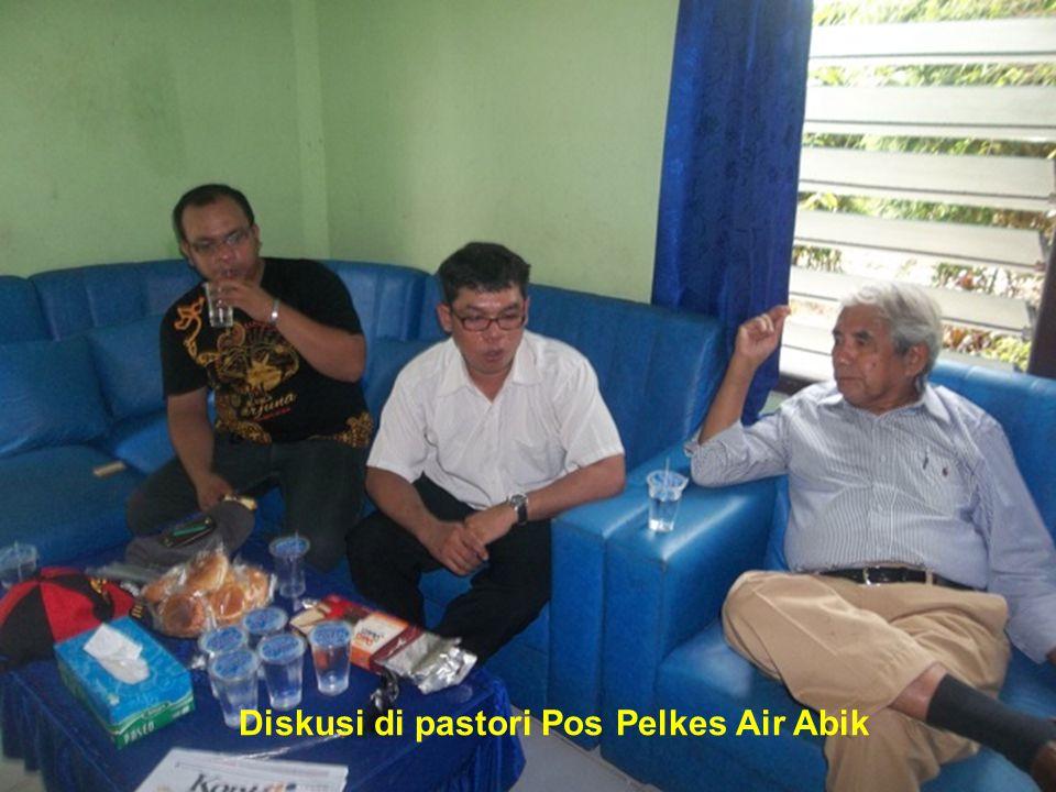 Diskusi di pastori Pos Pelkes Air Abik