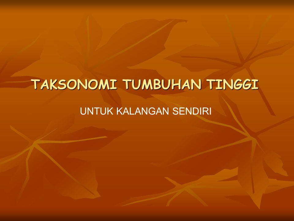  SEJARAH TATANAMA TUMBUHAN Sejak tahun 1753 sistim polynomial digantikan dengan binomial sejak publikasi systema plantarum oleh Carolus Linnaeus dan berlaku secara internasional.
