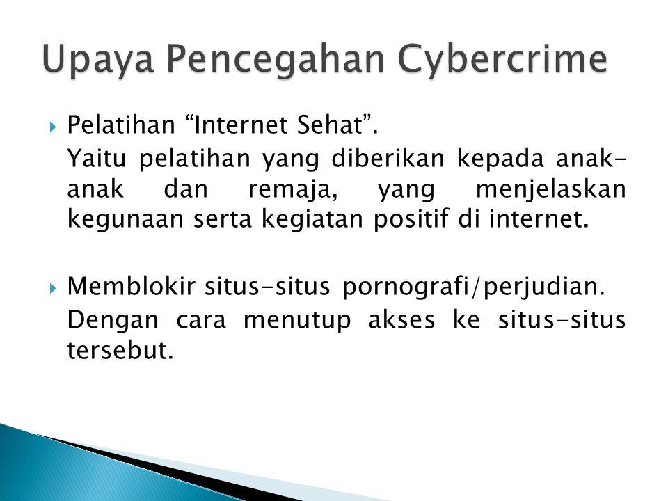 """ Pelatihan """"Internet Sehat"""". Yaitu pelatihan yang diberikan kepada anak- anak dan remaja, yang menjelaskan kegunaan serta kegiatan positif di interne"""