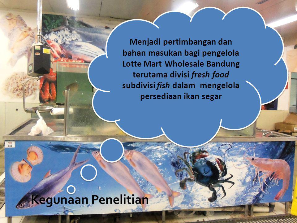 Pengelolaan Persediaan Produk Ikan Segar Berdasarkan Sistem yang Dilakukan di Lotte Mart Wholesale Bandung Jenis Ikan Frekuensi (F) Biaya Pemesanan (Rp) (P) Jumlah Pemesanan (Kg) (Q) Biaya Penyimpanan (Rp/Kg/bln) (C) B.Total Pemesanan (Rp/bln) (PxF) B.Total Penyimpanan (Rp/bln) (QxC) B.Total Persediaan (Rp/bln) (TIC) Bawal Hitam 102.0005,107.00020.00035.70055.700 Gurame 292.00055,2745.00058.0002.487.1502.545.150 Kuwe 52.0005,206.50010.00033.80043.800 Mas 252.0007,008.50050.00059.500109.500 Mujair 202.0008,7412.00040.000104.880144.880 Lele 142.0006,808.00028.00054.40082.400 Nila 182.00012,0015.50036.000186.000222.000