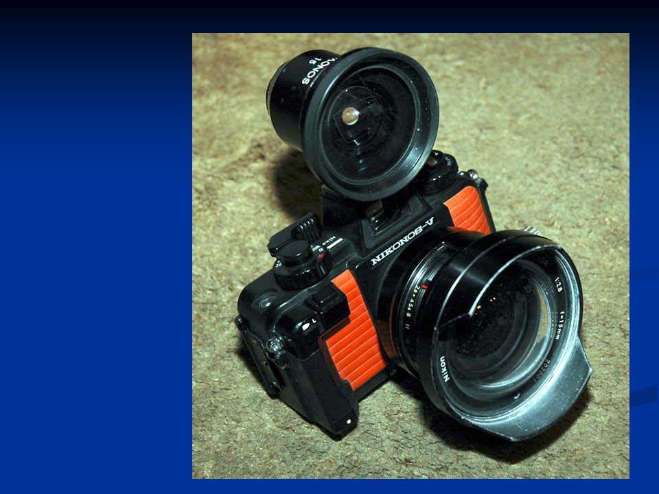 Mengenal Bagian-bagian kamera  Lensa  Diafragma  Kecepatan /rana /shutter speed  Fokus (Pengatur Jarak)  Skala tajam (ruang tajam)  Film