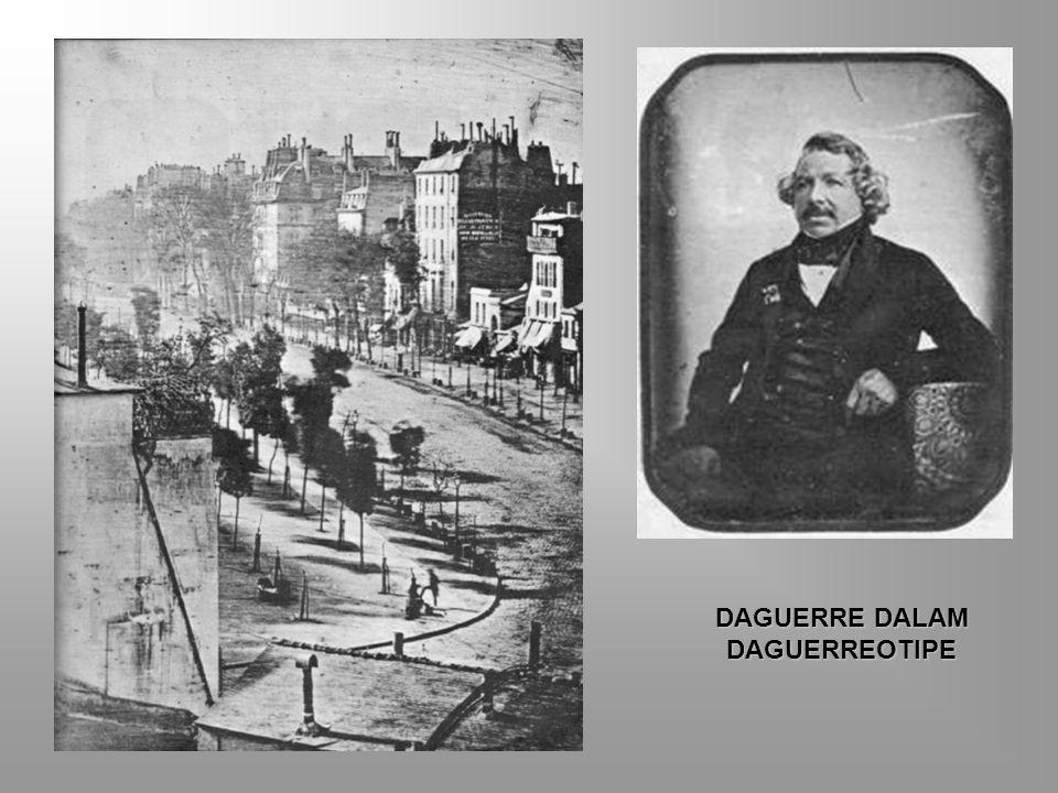 SEJARAH FOTOGRAFI Tahun 1839 Pelat tembaga berlapis perak yang dengan perak jodida merekam santiran sebuah jalan di Paris. Dalam daguerreotipe buatan