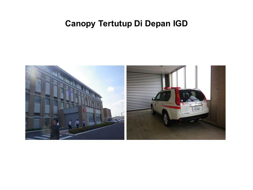 Canopy Tertutup Di Depan IGD