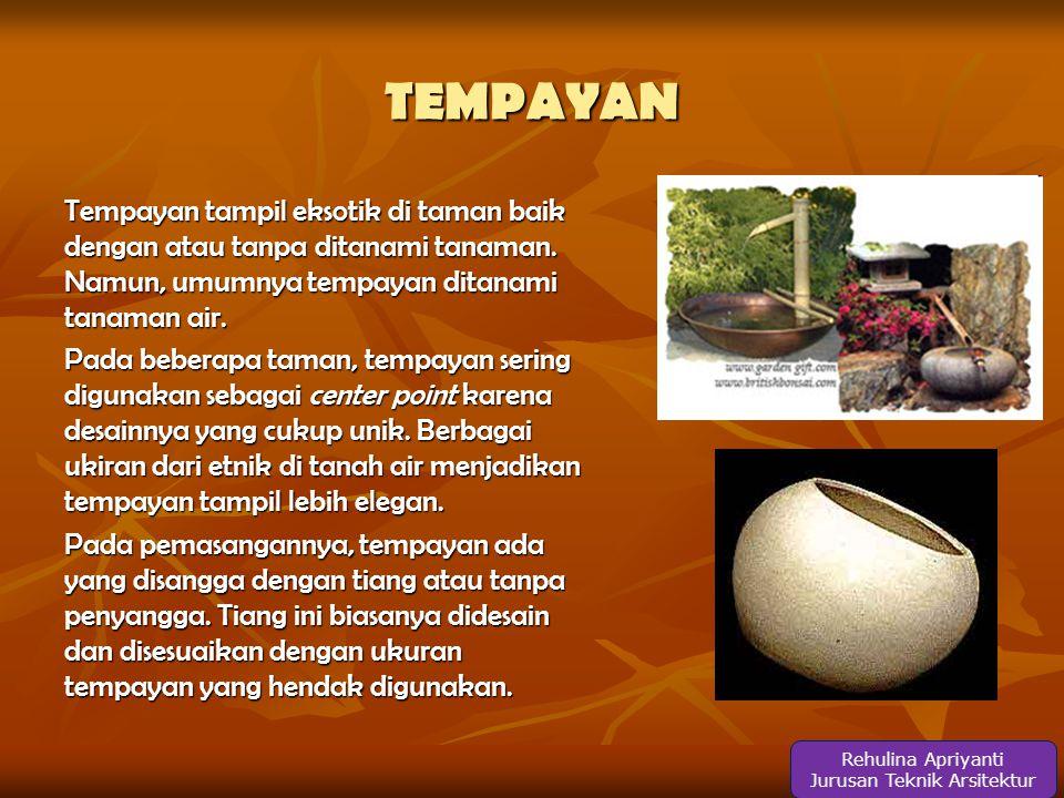 TEMPAYAN Tempayan tampil eksotik di taman baik dengan atau tanpa ditanami tanaman.