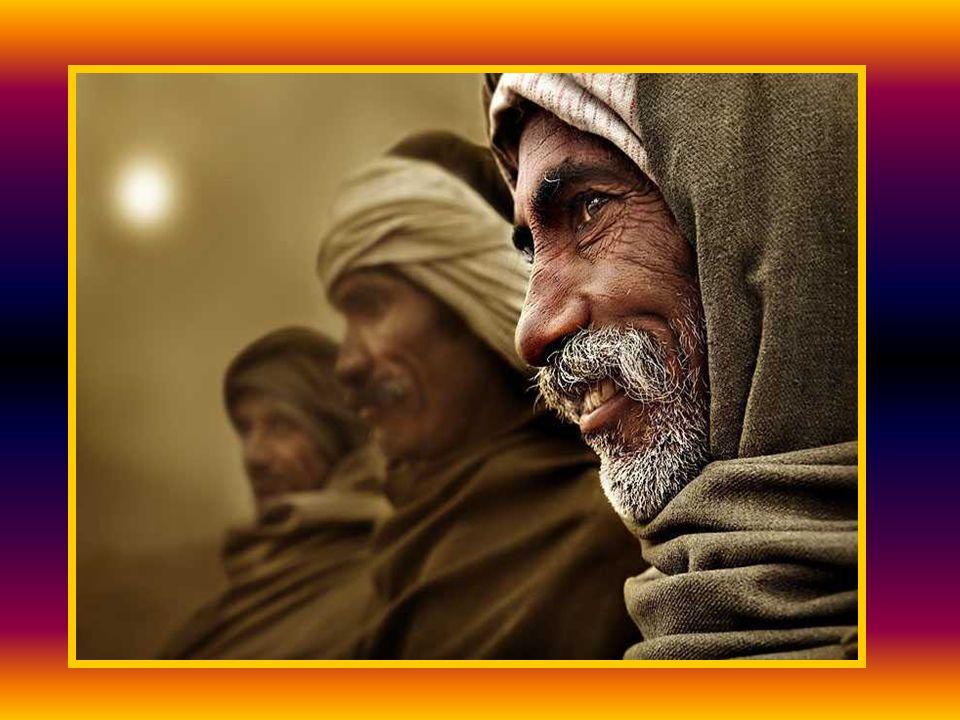 Jutaan orang bisa membaca dan menulis, mempunyai akses kesehatan dan tempat tinggal yang layak, itu berkat Vicente Ferrer.