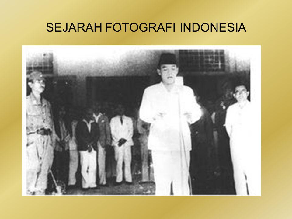 SEJARAH FOTOGRAFI INDONESIA •Dibanding Mendur bersaudara, Frans dan Alex, nama Chepas memang kalah bergaung dalam khasanah fotografi Indonesia.