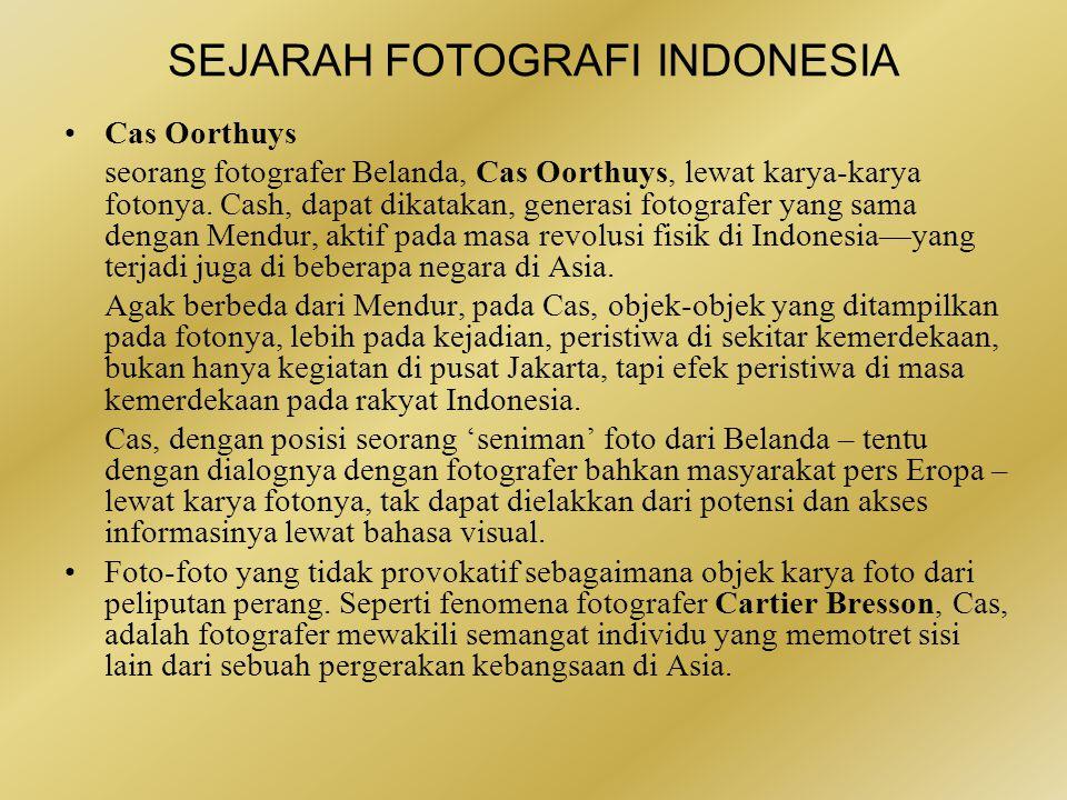 SEJARAH FOTOGRAFI INDONESIA •IPPHOS yang hadir hari ini adalah majalah fotografi pertama dan utama.