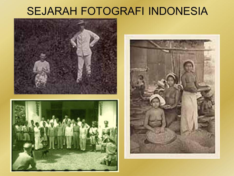 SEJARAH FOTOGRAFI INDONESIA Seperti Mendur, Cas pun bukan seorang fotografer perang.