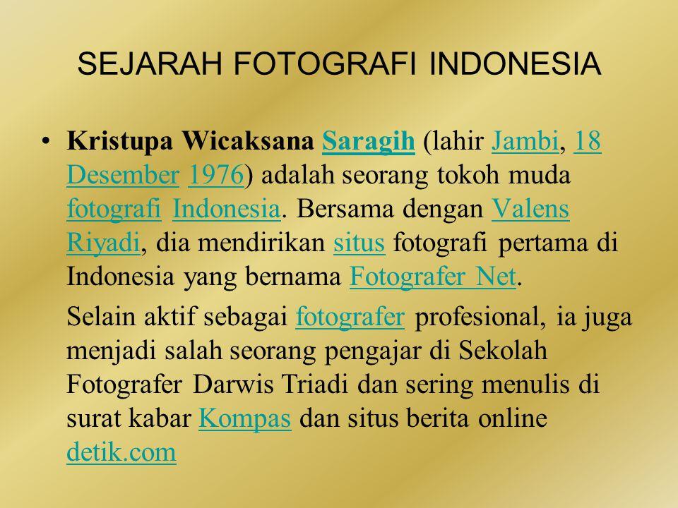 •Alex Impurung Mendur (1907 - 1984) adalah salah satu fotografer yang mengabadikan detik- detik proklamasi kemerdekaan Republik Indonesia 17 Agustus 1945.