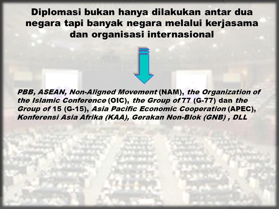 (4) Memperkuat hubungan dan kerja sama bilateral, regional dan internasional di segala bidang dan meningkatkan prakarsa dan kontribusi Indonesia dalam