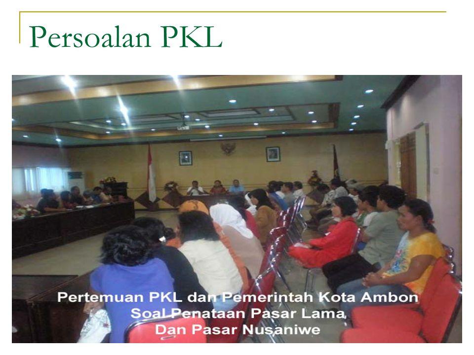 Penanganan PKL di kota Bandung Ketiadaan skenario penanganan PKL yang jelas, membuat pemkot terlihat kewalahan mengatasi persoalan ini.