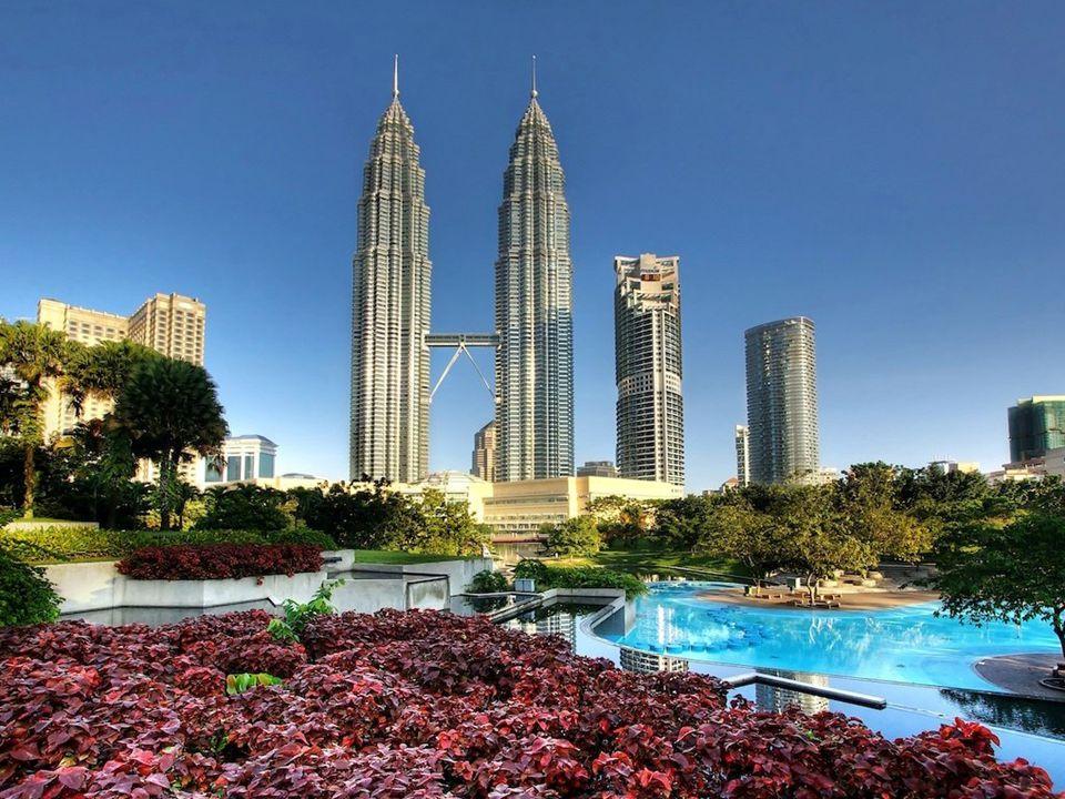 Promo Success Trip : Malaysia Masa Penilaian: Januari – Juni 2013 ( 6 bulan ) Proses mendapatkan Promo Success Trip untuk  3 -  6: 1)Memenuhi Syarat Mengumpulkan Point: - Distributor baru yang pada Masa Penilaian join langsung new  3.