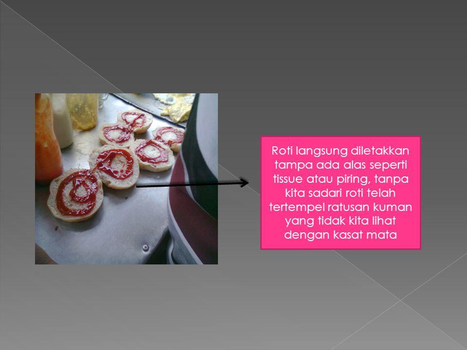 Sampah kulit sayuran tidak langsung di buang malahan diletak kan dekat roti