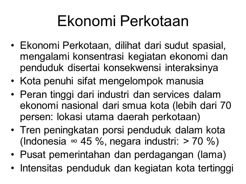 Internalisasi Biaya-Manfaat Eksternal Internalisasi efek eksternal, penyebab atau peneri- ma, baik yang positif atau negatif, dikenasi pajak Internalisasi efek negatif: pajak pencemaran, polusi, pajak kemacetan (PPP polluter payer principles) Internalisasi efek positif: Pajak PBB, pajak peran serta perusahaan dalam pembiayaan angkutan umum (belum ada di Indonesia, P'cis: versement transport) Manfaat aglomerasi menjadi sumber efisiensi dan efektivitas ekonomi kota, dianggap terbagi rata Untuk struktur barang & layanan publik dan efek negatif tertentu, terdapat pula ukuran optimal kota