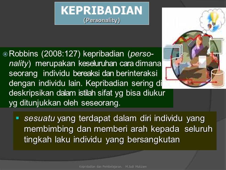 1.Keturunan (genetik), ditentukan sejak lahir, berupa sifat-sifat bawaan baik fisik maupun mental yang mempengaruhi perbuatan, perasaan, dan pikiran.