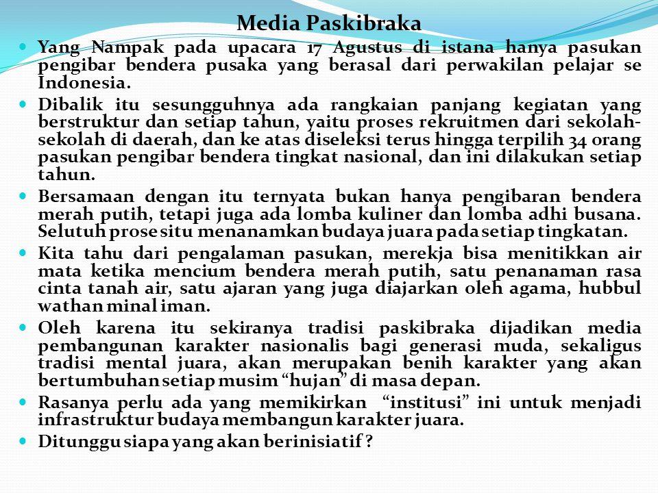 Media Paskibraka Yang Nampak pada upacara 17 Agustus di istana hanya pasukan pengibar bendera pusaka yang berasal dari perwakilan pelajar se Indonesia