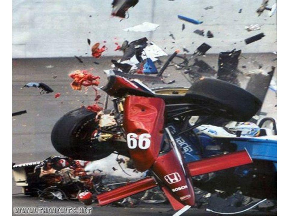 Gambar mobil menabrak