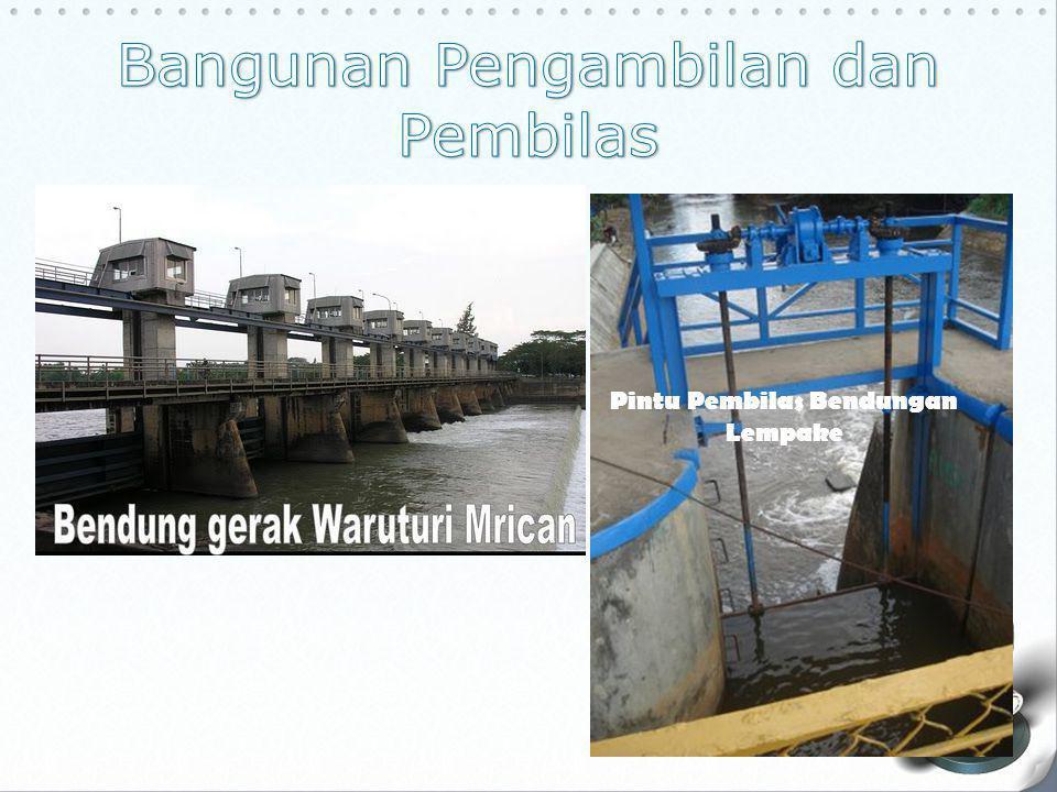 Pada waktu mulai banjir pintu pengambilan akan ditutup (tinggi muka air sekitar 0,50 m sampai 1,0 m di atas mercu dan terus bertambah), pintu pembilas akan dibiarkan tetap tertutup.