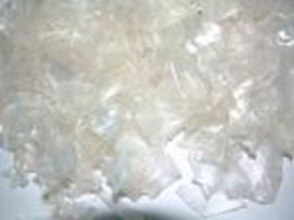 Sampah Plastik??? Sampah plastik adalah bahan buangan yang terbuat dari plastik yang sudah tidak terpakai dan tidak bermanfaat lagi bagi kehidupan man